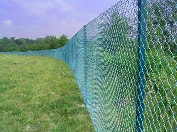 ограждение участка натяжным забором