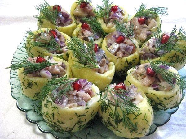 картофельные тарталетки с селедкой