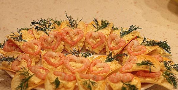 чипсы с креветками и сыром