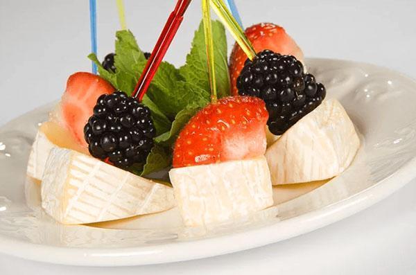 фруктово-сырная закуска