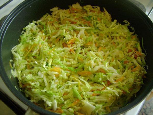 добавить кабачки и капусту