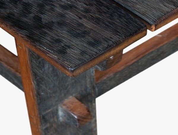 стул из железного дерева