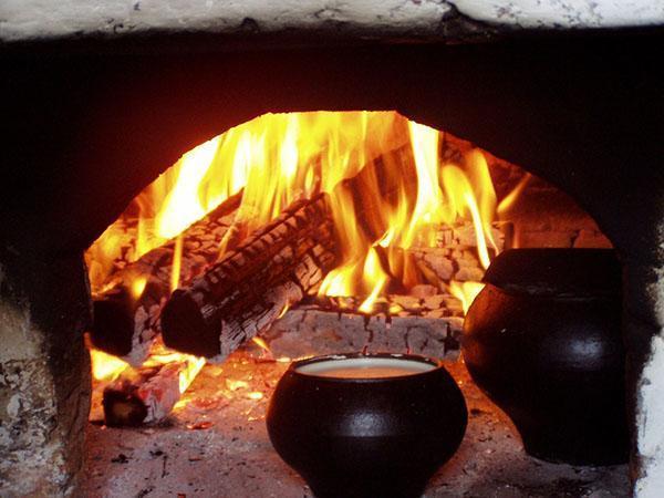 горят дрова