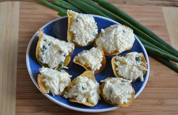 еврейская закуска на чипсах