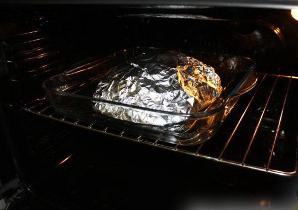 запечь говядину с грибами и картофелем
