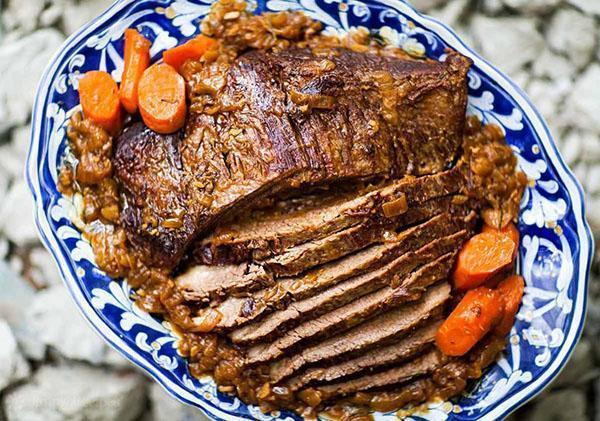 аппетитная запеченная говядина