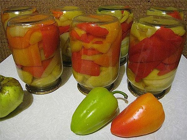 маринованный с кислыми яблоками болгарский перец