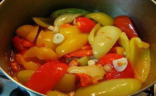 залить перец маринадом