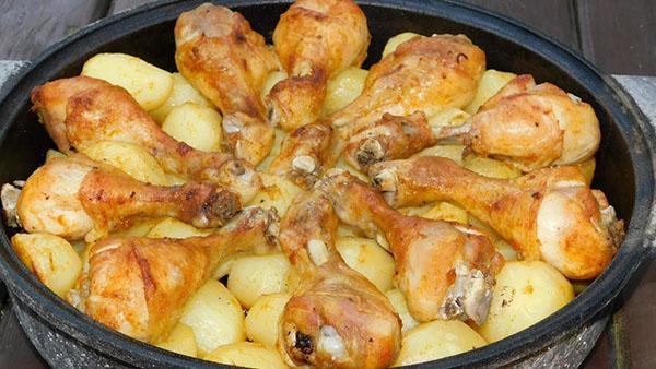 куриные ножки с картошкой