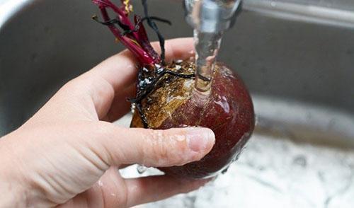 помыть корнеплод