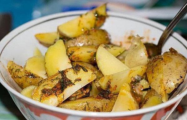 натереть картофель соусом