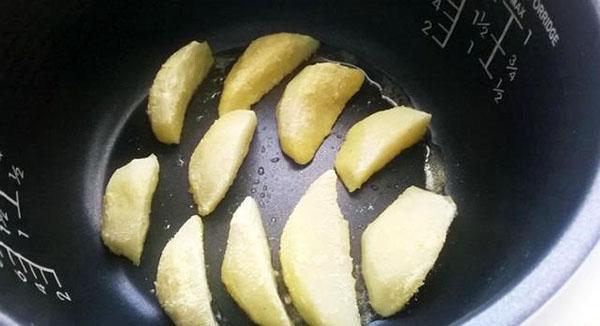 тушить картофель в мультиварке