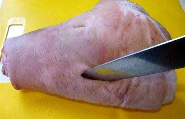 вырезают кость