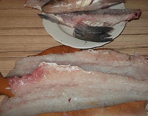 отделить филе рыбы