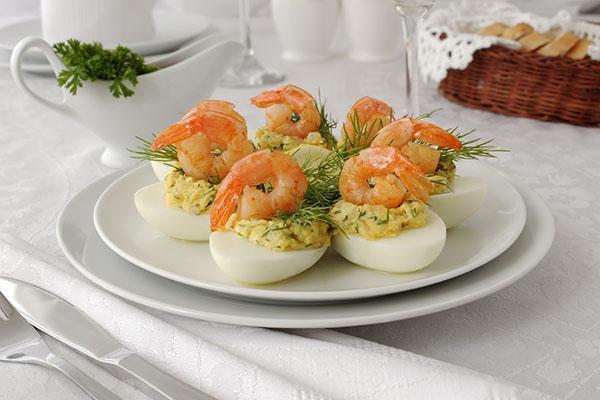 креветки в яйце