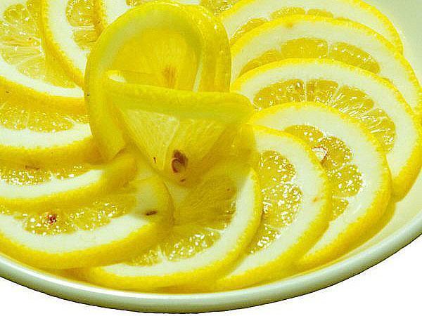 красиво выложить лимон