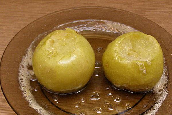 подают яблоки холодными