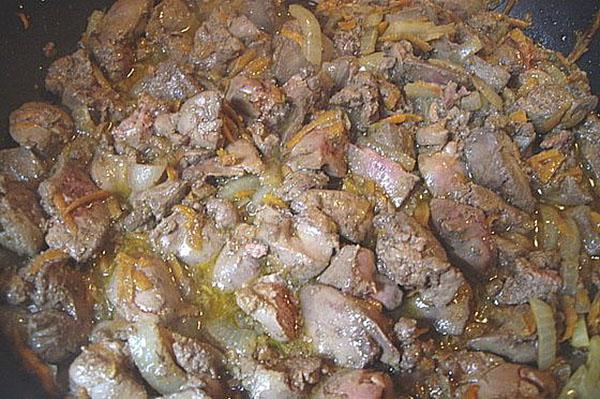 тушить печень с овощами