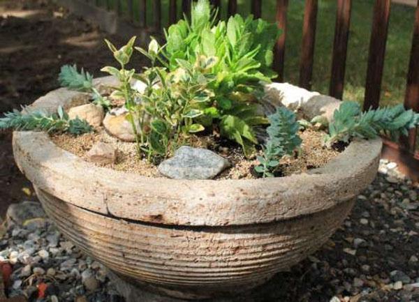 кашпо из цемента для сада