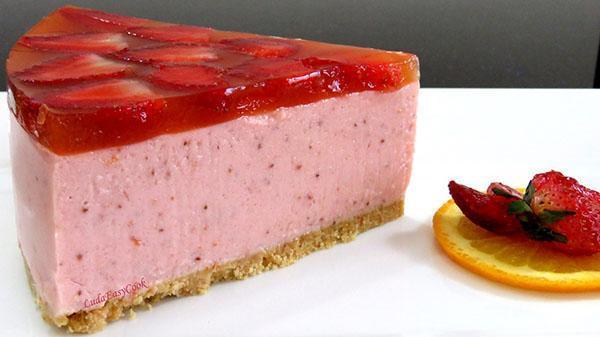 муссовый клубничный торт