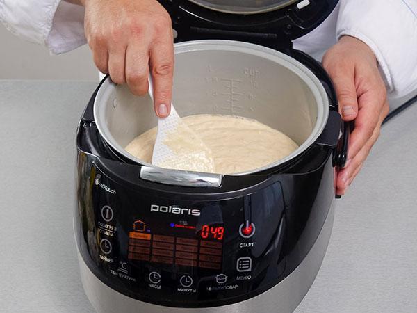 выложить тесто в чашу и запечь
