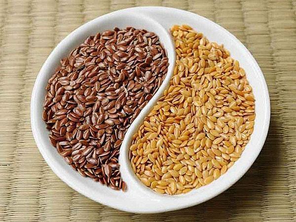 светлые и темные семена льна