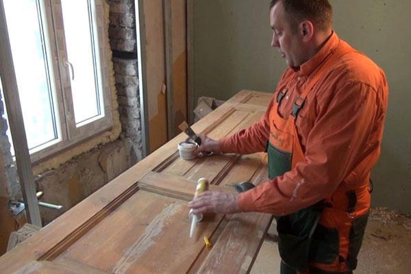 подготовка дверного полотна к обновлению