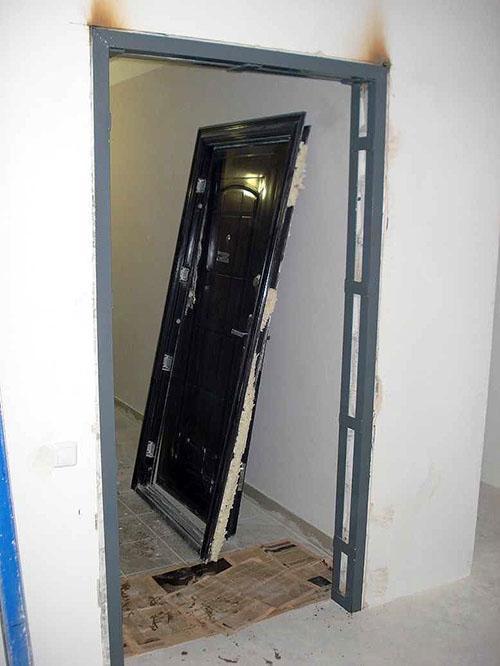 самостоятельный монтаж входной двери