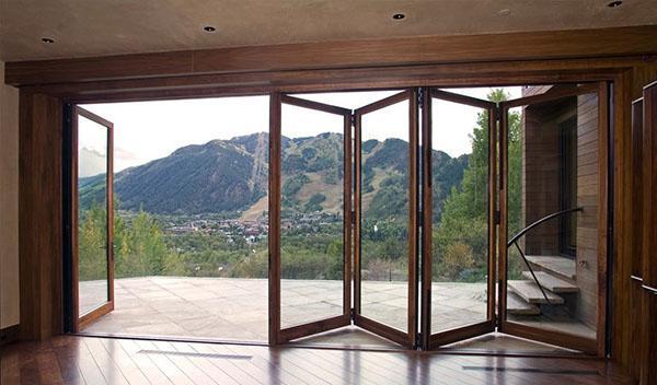 двери гармошка из стекла