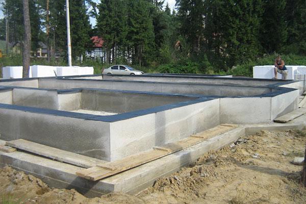 Фундамент монолитная плита с ребрами вверх