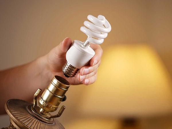 почему мигает энергосберегающая лампа