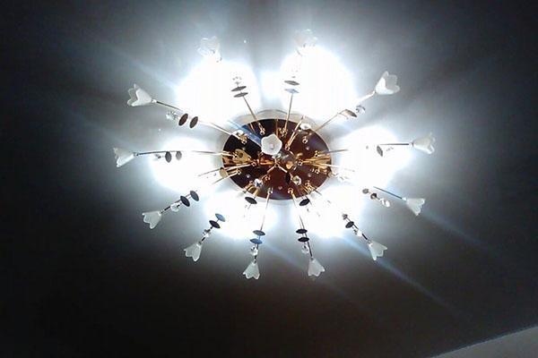 Мигание включенных светодиодных ламп