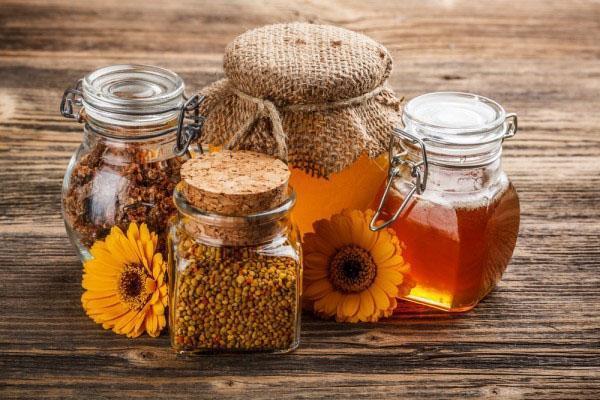 хранение меда в стеклянных банках